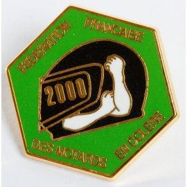 """Pin's moto FFMC 2000 : """"L'anti-vignette émaillée"""""""